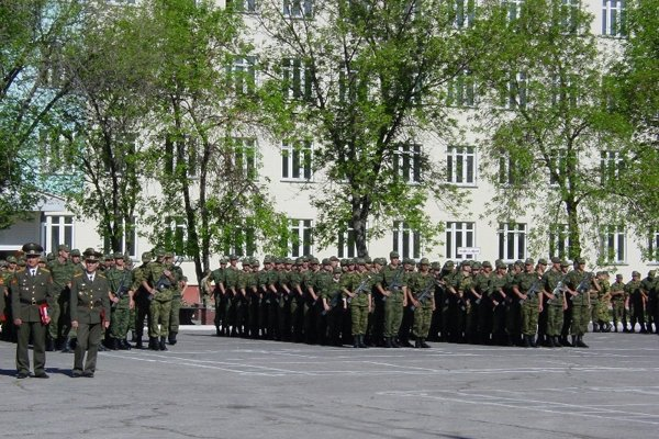 ВЧ 90600. Новобранцы принимают присягу в п. Рощинский