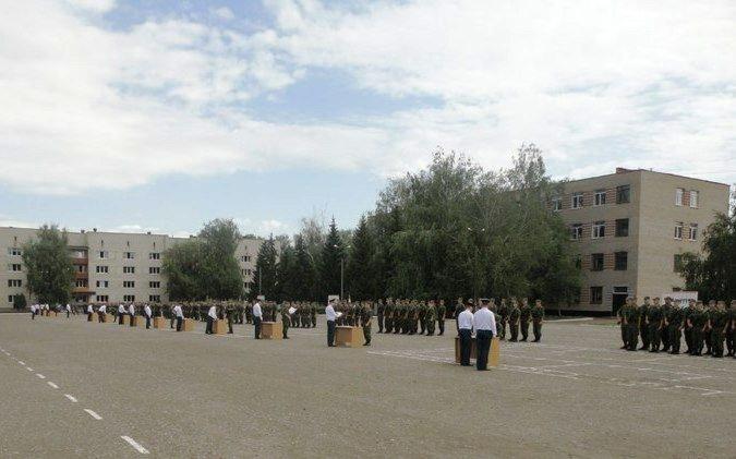 ВЧ 61460. Построение на плацу учебного центра