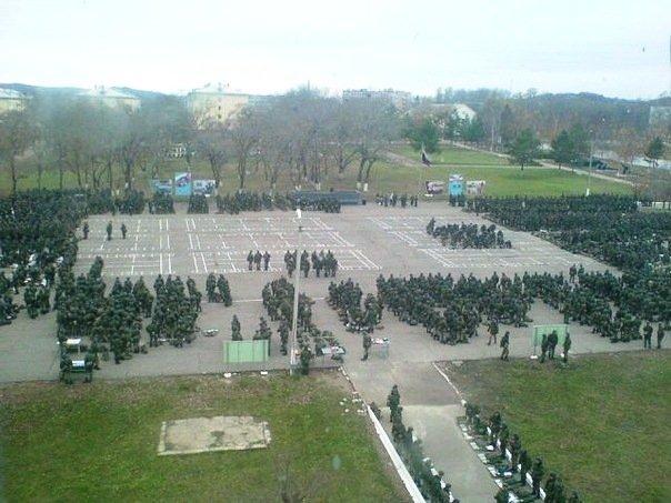 ВЧ 44980. Построение солдат 59-й ОМСБр на плацу