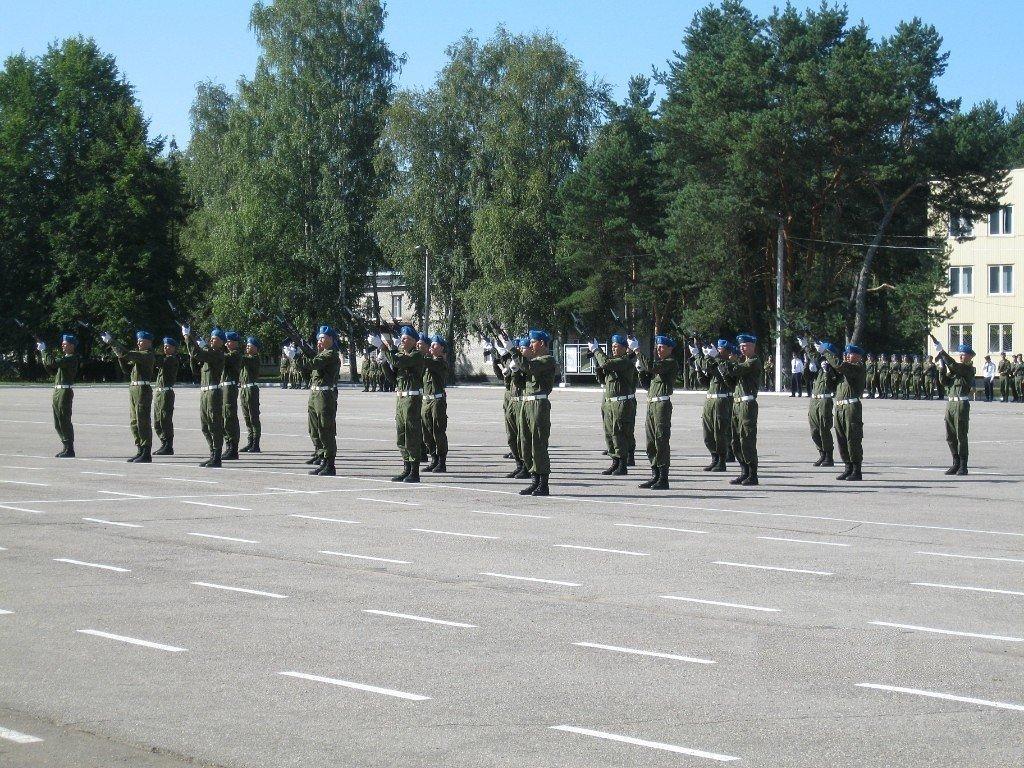 ВЧ 32515. Строевой плац полка
