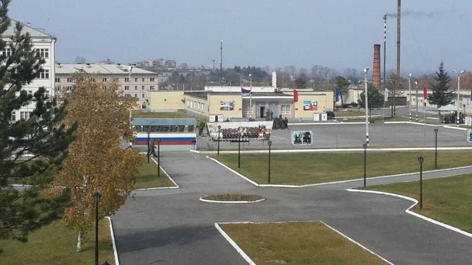 ВЧ16788. Вид на строевой плац в/ч