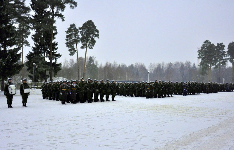 ВЧ32516. Построение солдат центра на плацу