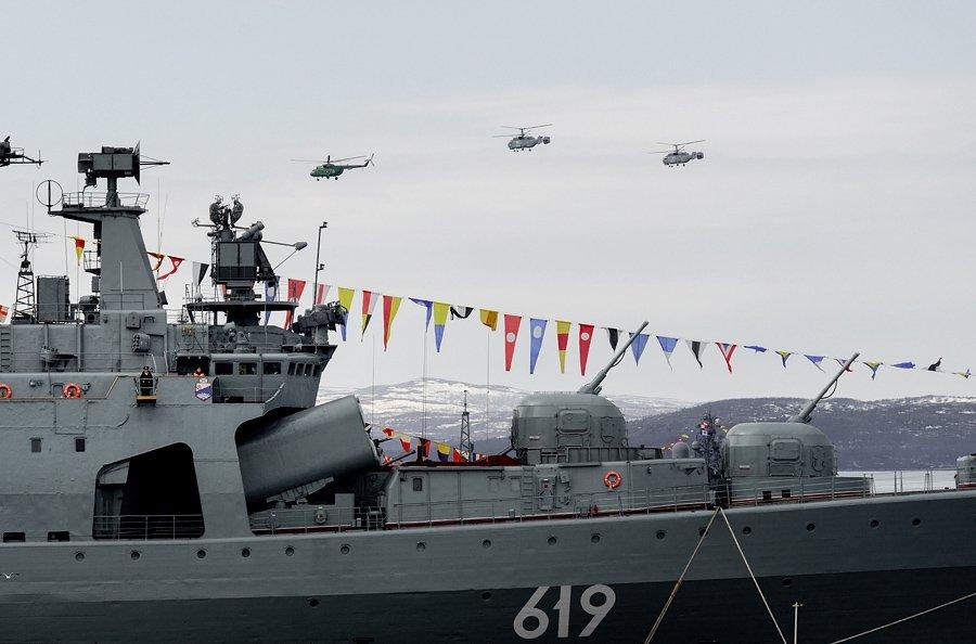 Военный парад в Североморске 9 мая 2015 года