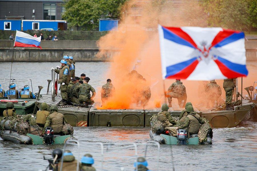 На мероприятии «Военная служба по контракту - Твой выбор» в Калининграде