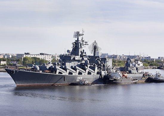 Ракетный крейсер Маршал Устинов Северного флота РФ