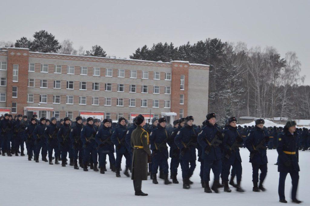 Прохождение торжественным маршем после присяги