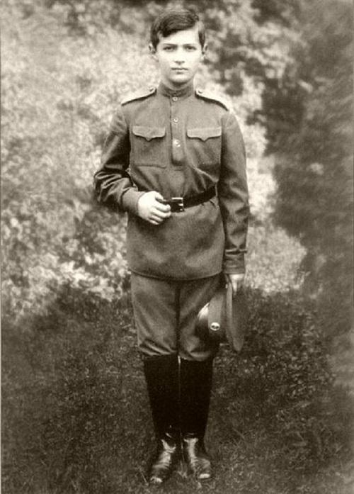 Юность будущего генерала Черняховского И.Д.