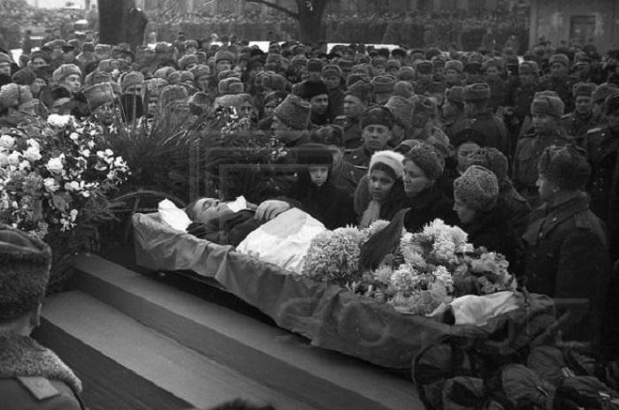 Похороны Черняховского в Вильнюсе