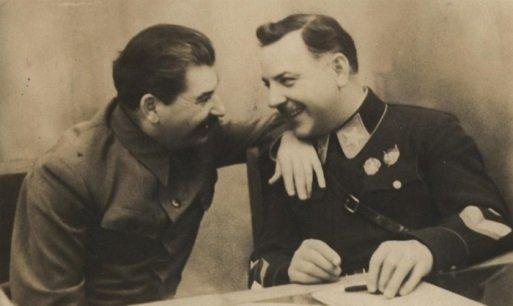 Сталин и Ворошилов за разговором