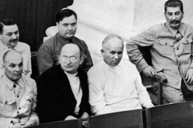 Георгий Маленков, Лаврентий Берия, Никита Хрущев, Иосиф Сталин