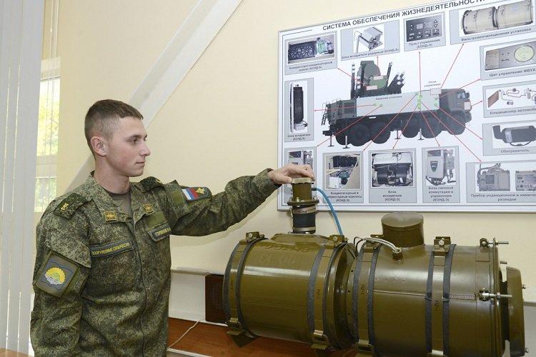 Занятия курсантов ЯВВУ ПВО