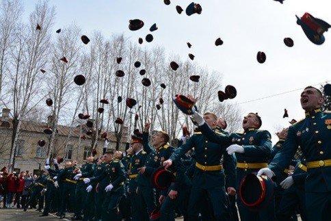 Торжественный выпуск курсантов ДВОКУ