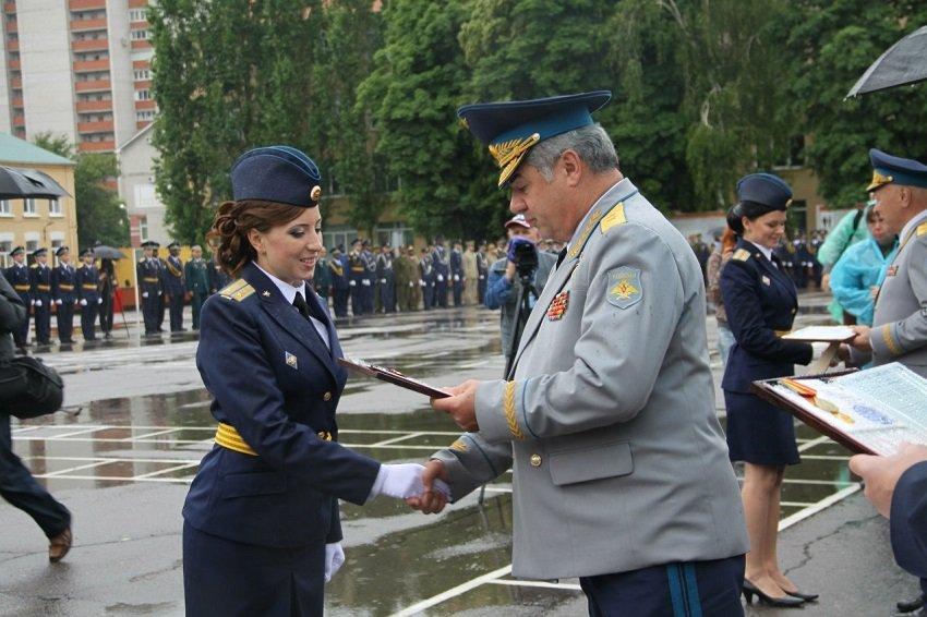 Девушки-курсанты в ВУНЦ ВВС «ВВА»
