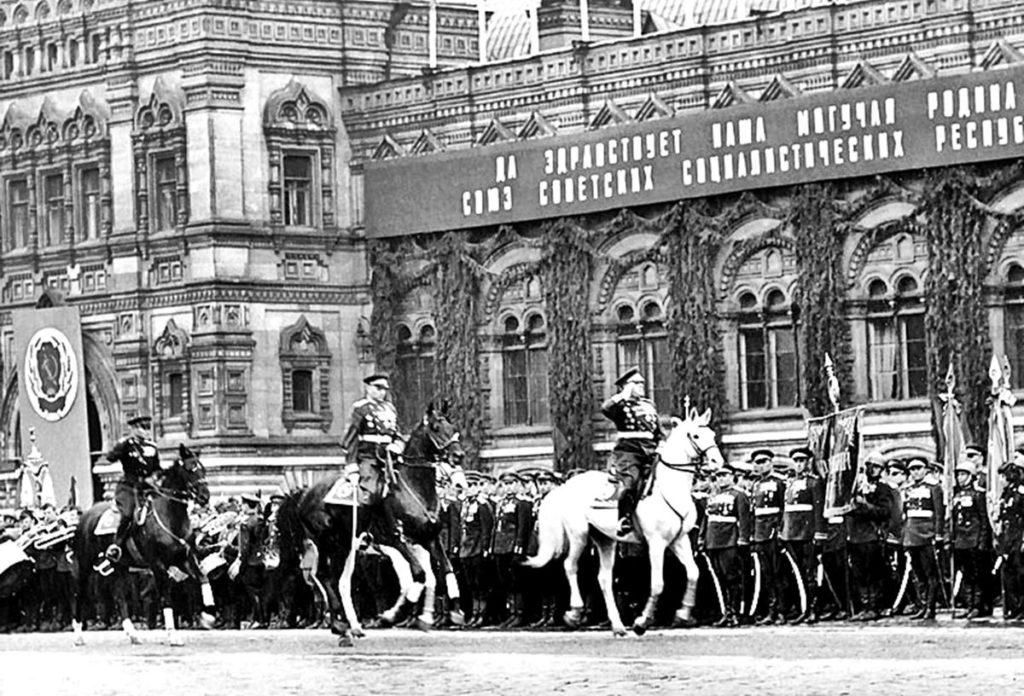 Жуков и Рокоссовский на Параде Победы