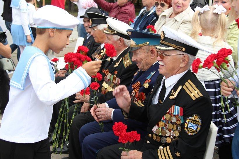 Поздравление ветеранов ВМФ