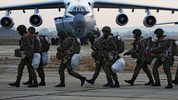 Десантники в экипировке и готовы ко взлету