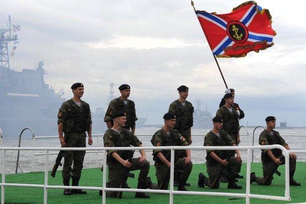Показательное выступление военнослужащих 336 бригады морской пехоты