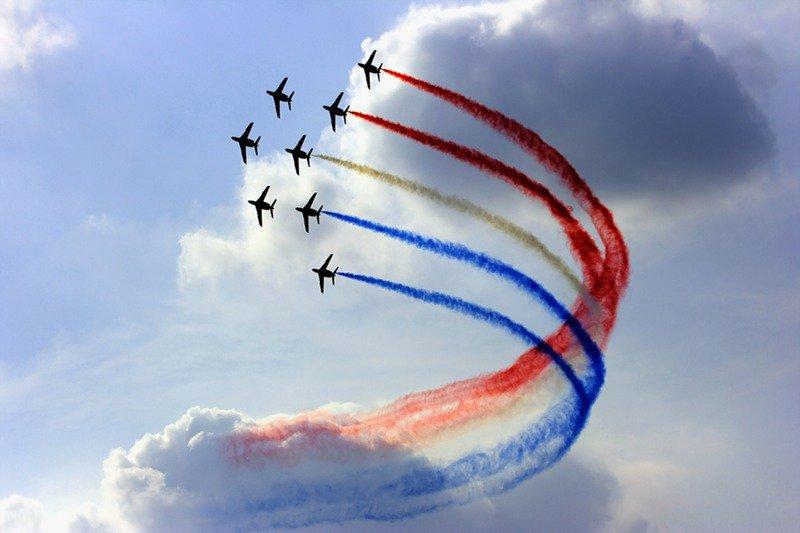 Показательные выступления летчиков в день ВВС