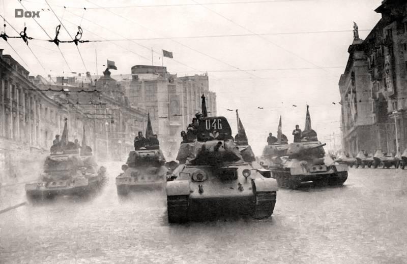 Фото с первого в СССР дня танкиста
