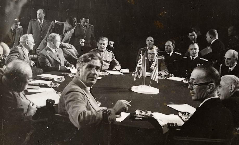 Кузнецов за столом переговоров в Потсдаме